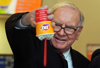 buffett holding ice cream